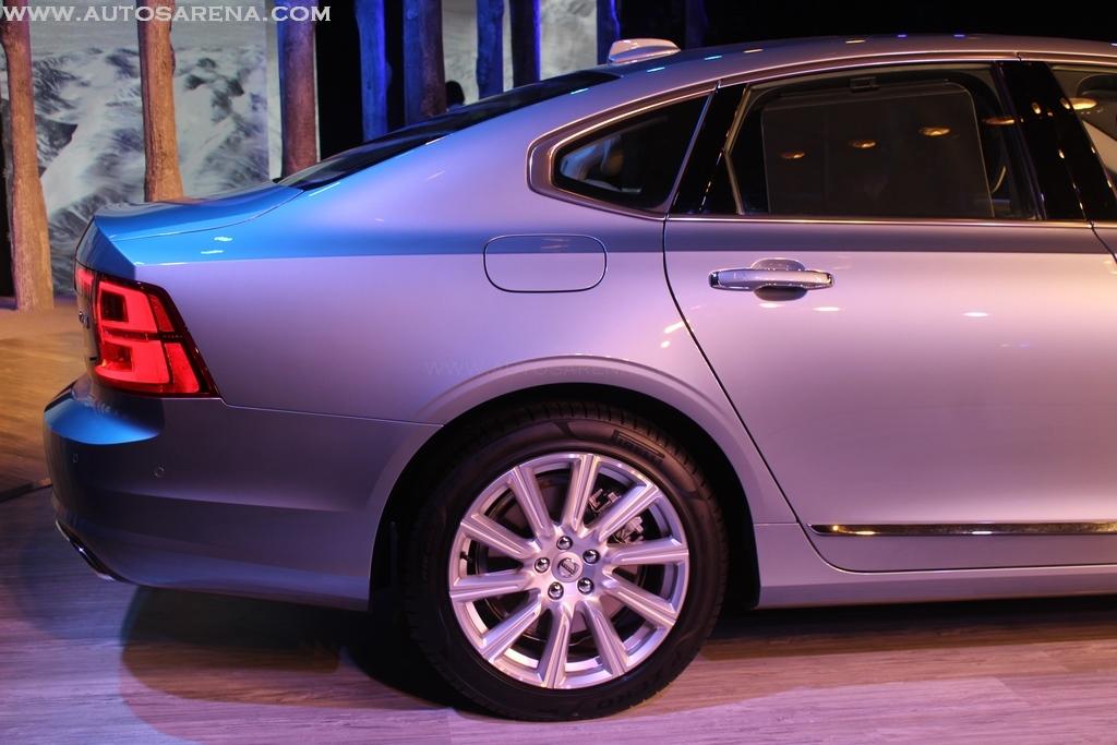 Volvo S90 India Exteriors (12)