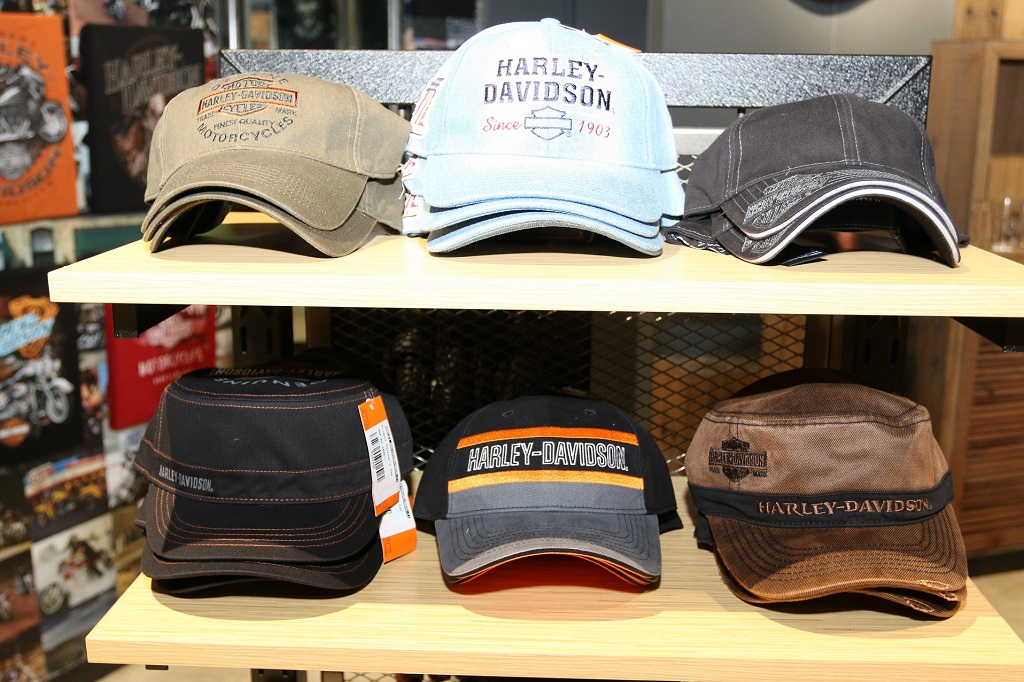 harley-davidson-launches-maiden-merchandise-showroom-at-mumbai-airport-_2