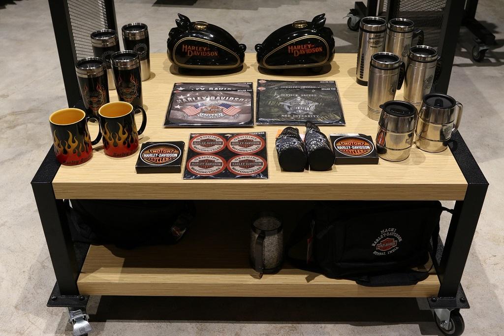 harley-davidson-launches-maiden-merchandise-showroom-at-mumbai-airport-_6