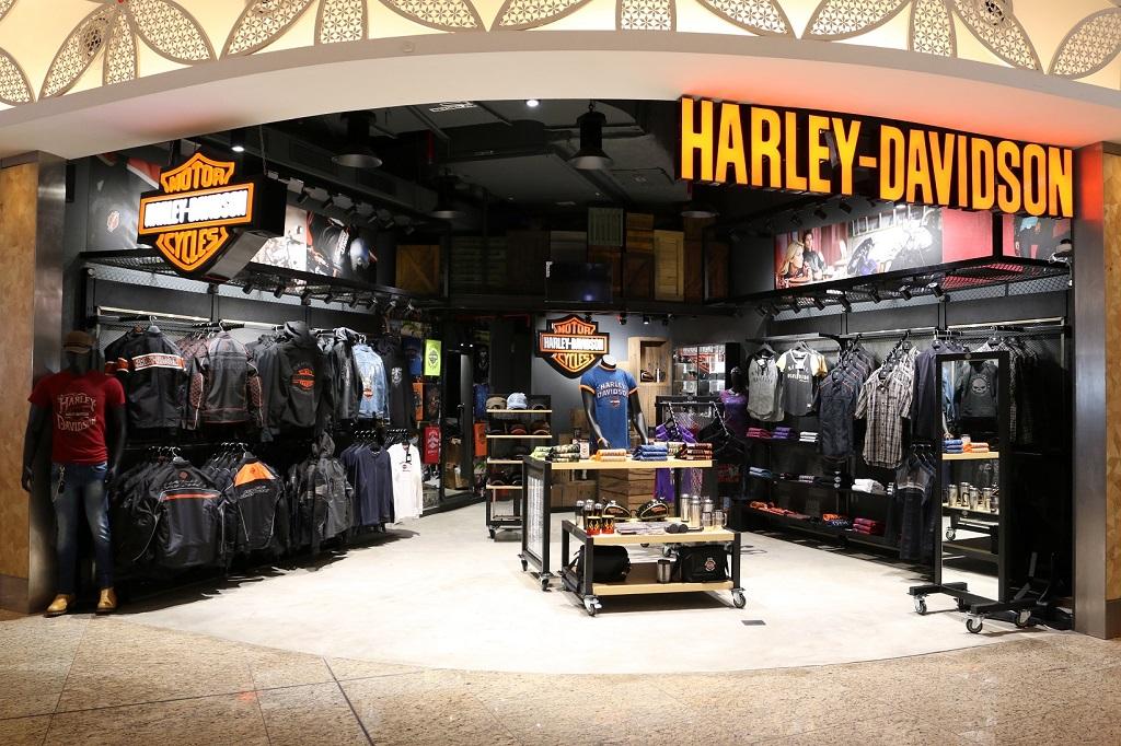 harley-davidson-launches-maiden-merchandise-showroom-at-mumbai-airport
