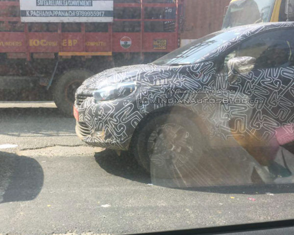 renault-kaptur-front-end-spotted-in-india