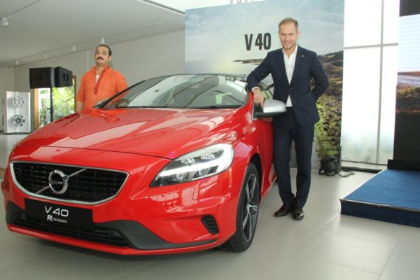 Volvo launches the 2017 V40 & V40 Cross Country adorning