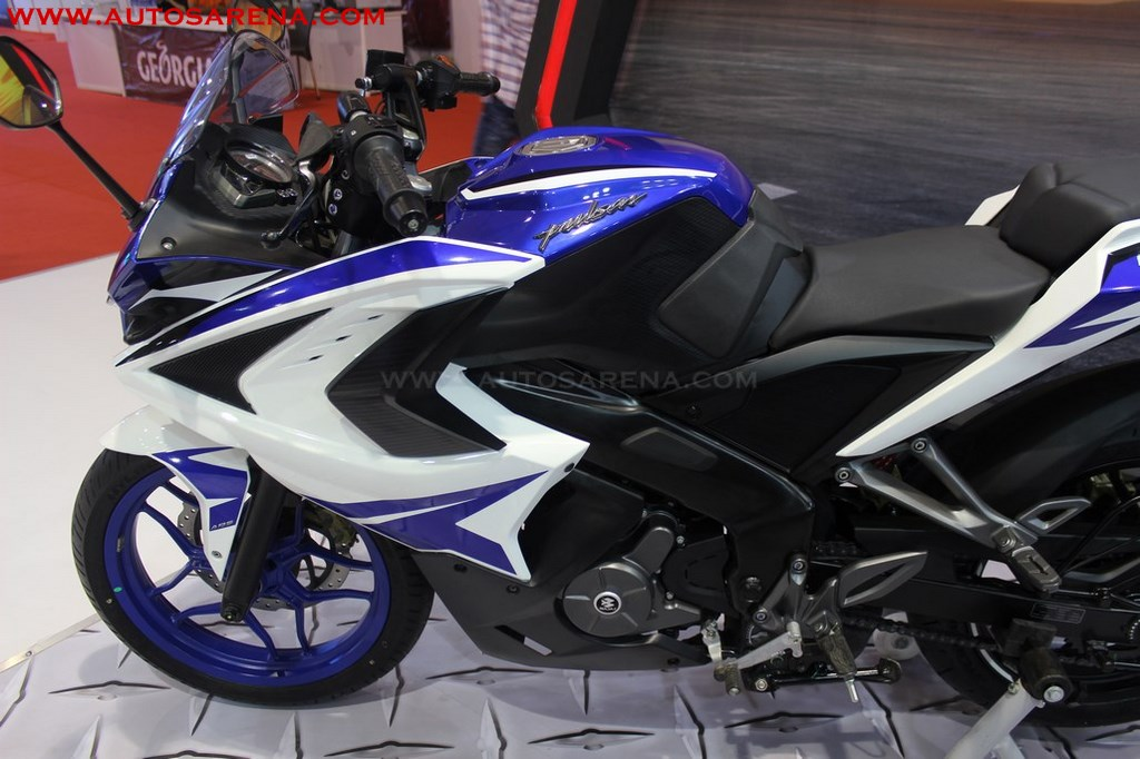 2017 Bajaj RS 200 Racing Blue (3)