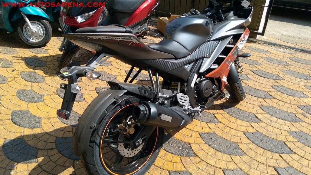 Yamaha R15 V2.0 Special Edition Adrenaline Red (7)