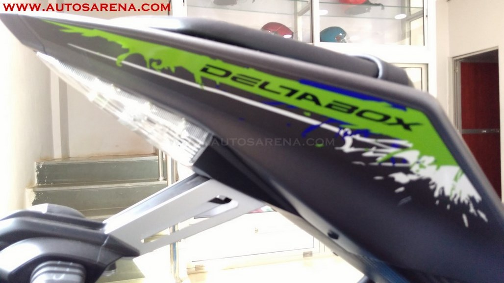 Yamaha R15 V2.0 Special Edition Sparky Green (12)