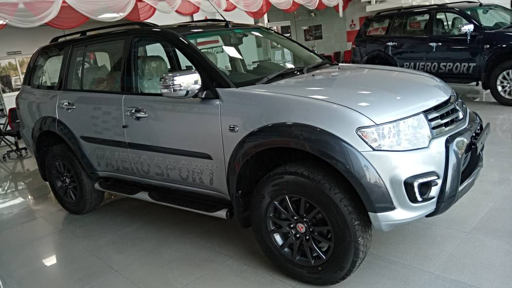 the pajero sport select plus has been priced at rs lakh for the 42 automatic model and rs lakh for the 44 manual version exshowroom