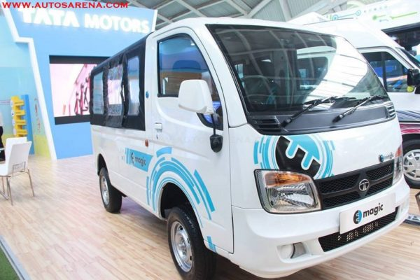 Tata motors showcases magic electric van at prawaas 2017 for Tata motors electric car