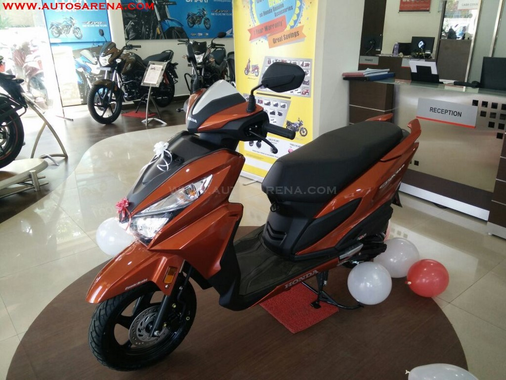 Honda Grazia Colors Neo Orange Metallic (1)