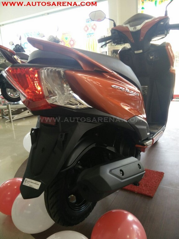 Honda Grazia Colors Neo Orange Metallic (2)