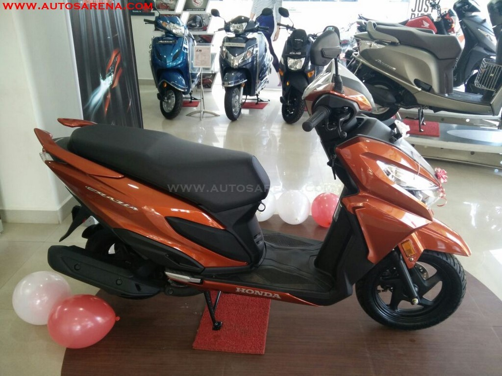 Honda Grazia Colors Neo Orange Metallic (4)