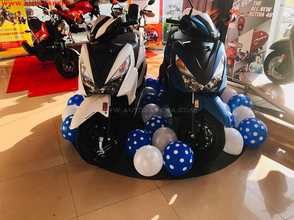 Honda Grazia Colors White and Blue