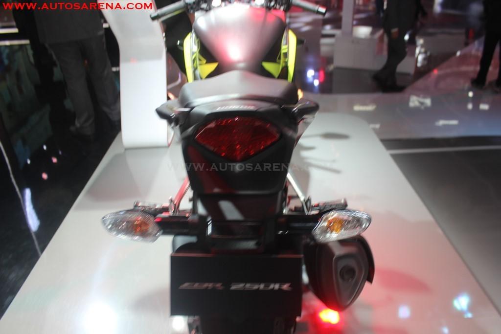 Honda 2018 CBR 250R (12)
