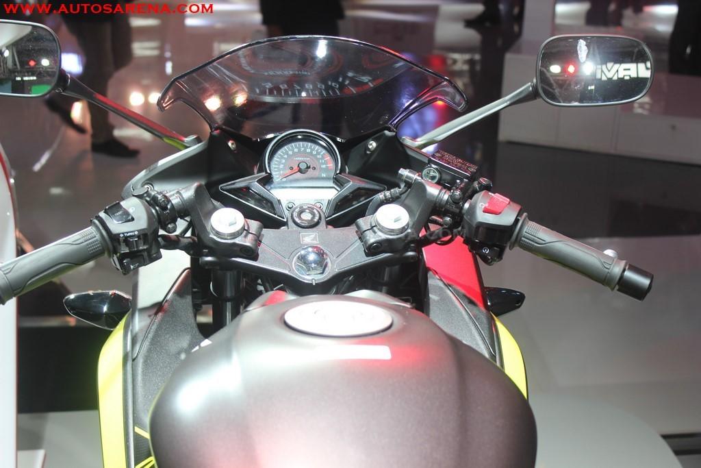 Honda 2018 CBR 250R (13)