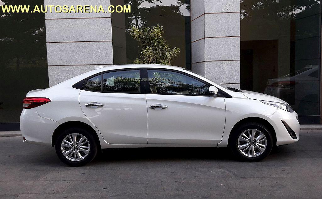 Toyota Yaris (1)